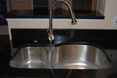 Kitchen Sink & Granite Countertops